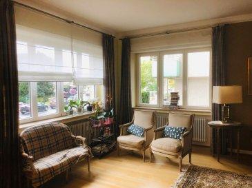 Superbe appartement de maître de 125 M2 au cœur de Luxembourg Belair. Composé d'une entrée, très grand salon /séjour, cuisine équipée, 2 wc, une salles de bains, 2 grandes chambres, balcon, possibilité de louer un garage en supplément. A SAISIR