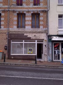 Local commercial à Avesnes-sur-Helpe