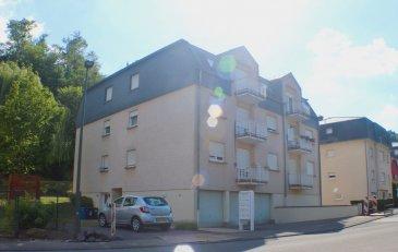 DUDELANGE 279.000 Euros.  Dans une rue très calme proche de toutes commodités se situe cet appartement lumineux dans une petite résidence de 10 unités.  L'appartement au 1ier étage est composé de: hall d'entrée, 1 chambre à coucher (+-9m2), 1 salle de douche, living-salle à manger avec cuisine équipée ouverte (+-21m2) et accès au balcon à l'arrière du bâtiment avec vue imprenable sur la forêt.  Au sous-sol se trouve une buanderie commune et un garage privatif pour 1 voiture avec son coin cave.  Absolument à découvrir pour son calme, Objet très bien soigné!  Equipements: Construction 1993, chauffage gaz, dalles en béton, double vitrage...   ***HERBY IMMO = MEILLEURS PRIX DU MARCHE***   (Herby Immo vous garantit le prix d`achat le moins cher du marché)