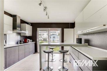 Veuillez contacter Joao Ferreira pour de plus amples informations : - T : 691 298 136 - E : joao.ferreira@remax.lu  RE/MAX, Spécialiste de l'immobilier à Frisange, vous propose ce magnifique appartement à la location.  L'appartement se compose d'un grand salon / salle à manger avec accès à un premier balcon, une cuisine équipée et fermée.  L'espace nuit est séparé de l'espace vie.  L'appartement dispose de 4 belles chambres dont une donnant sur le deuxième balcon, deux salles de bains avec douche baignoire et toilettes.  Il offre de beaux volumes et dispose de nombreux placards de rangement.  Vous disposez également d'une buanderie commune, d'une cave et d'un emplacement intérieur.  Frais d'agence RE/MAX : 125% du prix du loyer à la charge du locataire + TVA  Caution : 4.600 €