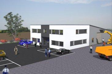 A Vendre, 600m2 en Zone Commerciale à LEXY (F)  RE/MAX, spécialiste de l'immobilier à la frontière luxembourgeoise, vous propose en exclusivité cet ensemble immobilier de 600m2 sur un terrain de 2.600 m2, idéalement situé à 10 km des frontières luxembourgeoise et belge.  A Lexy, France, dans une zone industrielle et commerciale en pleine expansion, proche des grandes enseignes et du nouveau Centre Leclerc, cet ensemble immobilier construit en 2013 comprend, pour sa partie commerciale, avec grande vitrine:  - 140 m² de bureaux avec sanitaires (douche) et cuisine - 300 m² d'entrepôt avec porte de garage 4,50m x 4,00 m - 200 m² de parking - 2000 m² de terrain CONSTRUCTIBLES !  Pour sa partie résidentielle, au 1er étage du bâtiment au dessus des bureaux, un charmant appartement de 160m2 habitables répartis comme suit:  - Trois chambres généreuses - Cuisine américaine hyper équipée - Living d'environ 80 m² - Une salle de bain - Une salle de douche - Terrasse d'environ 40 m²  Contacter Carine LECOMTE au +352 621 689 637 - carine.lecomte@remax.lu   Ref agence :5095606