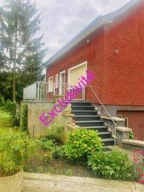 RE/MAX et Natacha Ombri  spécialiste de l'immobilier à Contern vous propose en exclusivité cette charmante maison construite en 1967 de +- 140 m2 habitable à rénover à Contern.  GSM: +352 661 34 99 34  La maison est libre des 4 cotés.  Elle se trouve sur un terrain de 15,86 ares très bien entretenu. Le terrain se trouve en zone verte. Une extension de la maison est possible jusqu'a 160m2 habitable au sol.  La maison dispose également d'une annexe de +- 30 m2, actuellement utilisé en tant que deuxième garage.  Contern se situe à 13km de l'aéroport et 12 km du Kirchberg.  Disponibilité immédiate.  Pour plus d'informations, contactez moi au +352 661 34 99 34 Natacha Ombri Ref agence :5095917