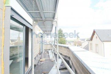 Homeseek Belair (+352 621 710 768) vous présente cet appartement duplex en construction de 128m² dans une maison bi-familiale située à Kayl. Les travaux finissent fin mai 2020.  Ce dernier, situé au 2e étage, est composé comme suit: - trois chambres-à-coucher  - un bureau - deux salles-de-bain - un espace cuisine ouvert sur ; - un living et salle-à-manger donnant accès à la terrasse  Se situent au rez-de-chaussée: - double emplacements intérieur (inclus dans le prix annoncé) - la cave (inclus dans le prix annoncé) - la buanderie - le local technique - le local poubelles  Une pompe à chaleur assure le bon fonctionnement des installations chauffages et sanitaires.   La résidence se trouve à proximité de tous les commerces (restaurants, boulangeries, banques, etc.), des services (crèches, écoles, médecins, etc.) et des transports en commun (arrêt de bus en face de la rue).  N'hésitez pas à nous contacter au +352 621 710 768 pour de plus amples renseignements. Ref agence :4921771-HB-DS