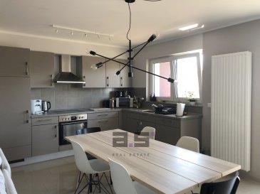 A.S. Real Estate, vous propose à la location un bel appartement de +/- 61 m² avec balcon situé au premier étage d'une résidence dans une rue calme du Centre de Schifflange.  Celui-ci se compose d'un hall d'entrée, d'une chambre de +/- 14.50m², d'une cuisine équipée ouverte sur un living de +/- 30m² avec accès à un balcon de +/- 7,50m², d'une pièce pour un bureau et d'une salle de douche avec w.c..  Une cave privative et un emplacement de parking intérieur complètent ce bien.  Pour tous renseignements ou pour convenir d'une éventuelle visite, veuillez nous contacter au (+352) 621 274 674 / 621 273 737 ou à info@as-estate.lu.