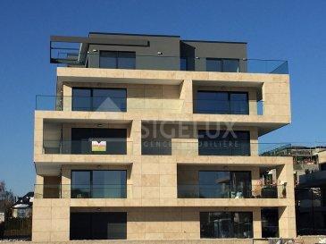 Sigelux Real Estate vous propose à la location ce magnifique appartement 2 chambres, au 2éme étage de la résidence haut standing KAPPA 1, situé au 37 rue des Lilas L-8035 Strassen.  Sa surface habitable est de 90.91m2 disposant d'une grande terrasse ensoleillée de 40m2  L'appartement offre des finitions luxueuses il se compose comme suit : - Grand hall d'entrée avec armoires encastrées - Living de 34m2 accès terrasse de +/-40m2, grandes baies vitrées - Cuisine équipée indépendante  - 2 chambres à coucher de 16m2 et 13m2 avec parquet  - Salle d'eau avec baignoire, douche, double lavabo et WC - Une toilette séparée - Buanderie commune - Cave - Emplacement de parking intérieur  - Chauffage au sol  - Terrasse de 40m2  Loyer : 2000€ Charges : 250€ Disponibilité le 1er mai 2020  Pour plus de renseignement ou un RDV contactez : SIGELUX:  46 71 31 ou info@sigelux.lu