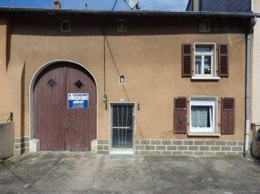 NOUS VENDONS Au centre du village de REMELFANG (57320) Proche de Bouzonville, à une demi-heure de Metz et de Thionville :  Une maison lorraine mitoyenne des deux cotés, établie sur un terrain de 8 ares. Elle offre sur une surface potentiellement habitable de 122 m2 en plain-pied et étage : Un séjour de 15,26 m2 Une grande cuisine de 15,57 m2 Une pièce à vivre  de 13,95 m2  Une salle d'eau et WC Deux chambres de 16 m2 et 15,74 m2 à l'étage.  Des travaux sont à prévoir. ***terrasse arrière (possibilité partiellement couverte avec toiture récente) ***jardin, verger avec arbres fruitiers ***grange, garage( 7,6 M) *** grenier (possibilité extension) *** chaudière récente au fuel ***raccordée à l'assainissement collectif en 1985  ***toiture  arrière tuiles : récente avec isolation.  CONTACT : ABEL IMMOBILIER au 03 87 36 12 24 Ou directement le conseiller commercial Jean-Luc MEYER au 07 60 13 78 96  NB : les frais d'agence sont inclus dans le prix annoncé.
