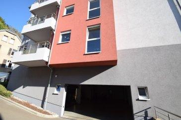 Exclusivité ImmoHouse vous propose à la vente:  Emplacement intérieur dans une résidence saine et soignée située au: -8 Montée Pilate à Luxembourg.  Disponibilité immédiate.