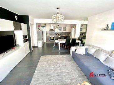 AFIL IMMO a le plaisir de vous proposer ce bel appartement de +-70m² très lumineux idéalement situé à Esch-sur-Alzette, à proximité de toutes commodités, commerces et transports en commun.<br>L\'appartement se trouve au 1er étage d\'une résidence de 2010 avec ascenseur.<br> <br>Il est composé d\'un hall d\'entrée desservant sur un vaste espace de vie avec cuisine équipée ouverte sur la salle à manger et le salon.<br>Dans l\'espace nuit vous pouvez profiter d\'une grande chambre à coucher de +-15m² avec penderie encastrée, d\'une 2ème chambre à coucher de +-12m², d\'une salle de bain et d\'un débarras. <br><br>Pour compléter l\'appartement dispose d\'une cave privative et d\'une buanderie commune.<br><br>Possibilité de louer un emplacement à l\'arrière de la résidence.<br><br>A visiter sans tarder !<br><br>AFIL IMMO s\'engage dans toutes vos démarches immobilières (estimation, vente, location de biens, recherche de financements).<br><br>Vous satisfaire est notre priorité !<br><br>Les prix s\'entendent frais d\'agence de 3 % TVA 17 % inclus.