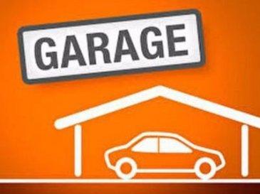 Epinal - Lot de deux garages sur 80m2 actuellement loué - l'ensemble sur terrain d'environ 260m2. Pour plus de renseignements contactez votre agent commercial Olivier Badonnel  06 62 34 52 31 immatriculé à Epinal sous le numéro 423816198