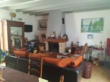 Maison de bourg. Maison mitoyenne dans village. Elle se compose d\'une entrée, salle d\'eau, WC. Pièce de vie avec cuisine ouverte sur salle/salon et cheminée insert. A l\'étage une chambre et une chambre d\'enfant. Terrasse, cour, En face verger avec hangar.Le tout sur 790 m² environ.<br>*Honoraires inclus charge acquéreur : 10.00% TTC (prix 55000.00 euros hors honoraires). N° portable : 0685994847, Activité exercée sous le statut d\'agent commercial