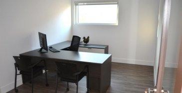 Louis MATHIEU RE/MAX Partners, spécialiste de l'immobilier à Dudelange, vous propose à la location ce bureau, d'une superficie d'environ 13 m2 idéalement situé sur un axe principal.  Il s'agit d'un bureau de 13 m2 avec une grande fenêtre. Il est loué avec deux bureaux, des chaises et armoire de bureau.  Il est complété par une cuisine commune au rez-de-chaussée, et des WC indépendant dans les communs..  Caractéristiques techniques : 3X2 prises électriques, prises internet, etcà  Charges : 35€/mois Caution : 1.000€  Disponibilité immédiate.  Contact : Louis MATHIEU au +352 671 111 323 ou louis.mathieu@remax.lu Ref agence : 5096375