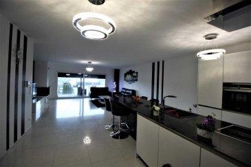 RE/MAX spécialiste de l\'immobilier à Belvaux, vous présente en exclusivité cette splendide maison refaite a neuf avec des matériaux de qualité. L\'ensemble de cette maison est chauffée par le sol, équipée d\'ouvrants à triple vitrage.Elle vous garantira une maîtrise de vos dépenses énergétique.<br><br>-Au RDC vous disposez d\'un grand garage pour deux voitures.Un appartement indépendant de 37m² est a votre disposition.<br>-A l\'étage vous serez charmés par la pièce de vie de plus de 50m² desservant une belle terrasse couverte, vous assurant espace et luminosité .<br>-Trois chambres, une salle d\'eau et un dressing constituent l\'espace nuit.<br>-Un terrain d\'agrément et une seconde terrasse finiront de vous charmer.<br><br>Ce bien aux finitions exemplaires se complète d\'un bâtiment qui fera office de second garage et espace de rangement.<br><br>Une visite s\'impose!!!<br><br>Personnes de contact: +352 661 998 351  julien.fay@remax.lu<br>                                     +352 691 120 289 frederic.ligutti@remax.lu<br />Ref agence :5096082