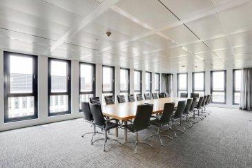 RE/MAX, spécialiste de l'immobilier au Luxembourg, vous propose des surfaces de bureau sur 2 étages dans un bâtiment au Findel.  Il s´agit d´une surface nette de 2.488,45m² à aménager selon ses envies et ses besoins. La surface totale peut aussi être répartie entre plusieurs locataires.  ·         4ième et dernier étage:  jusqu´à 2 locataires possibles (1x 379,85m² et 1x 342,75m²) avec terrasse au toit ·         3ième étage: jusqu` à 3 locataires possibles (1x 1.051,74m2, 1x 380,40m² et 1x 333,72m²)  Des places de parking dans les garages souterrains sont aussi disponibles à la location.  Le bâtiment dispose également d´un restaurant ouvert au public ainsi qu´une crèche public.  Très proche d´une forêt (2 minutes à pied) vous pouvez passer vos pauses avec des promenades ou soit vous pouvez vous assouplir dans un espace vert derrière le bâtiment, équipés avec des banquettes en bois.  Comme il s´agit d´un bâtiment bancaire, des mesures de sécurité appropriées sont bien sûr en place.  Plusieurs informations sur demande.  Contactez sans attendre Philippe VOGT :  +352 691 19 05 77  philippe.vogt@remax.lu Ref agence :5096247