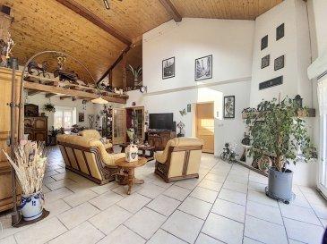 .........EXCLUSIVITÉ  DE LA CENTRALE IMMOBILIÈRE JARNY......... AMOUREUX DE GRANDS VOLUMES, DE LA PIERRE ET DES POUTRES CE BIEN EST POUR VOUS................. BAISSE DE PRIX...............  REF 4047 :  Très belle maison LORRAINE DE 241 m² habitables plus 120m²+/- de grange sur une parcelle de 6.61ares. Produit RARE sur le secteur. Beau hall d'entrée avec bureau, cheminée à l'âtre avec sa pierre d'origine, grande pièce de vie de 55m²+/- avec mezzanine, cheminée insert, accès cuisine ouverte équipée, accès terrasse/jardin, buanderie/chaufferie, w.c. individuel, salle d'eau (douche, double vasque équipée, placard),  Une grande chambre avec dressing complète le RDC. A l'étage ; un beau loft sur parquet flottant de 40m²+/- pouvant être aménagé en 2 chambres avec salle d'eau (douche, une vasque, un wc). Mezzanine aménageable, une lingerie ou autres usages, une grande chambre. Une belle grange pour 5/6 véhicules dont un garage atelier chauffé. Une cave 25m²+/-. D.V. PVC + Volets roulants élect sur baie vitrée, manuel sur le reste. Chauffage au sol par P.A.C. + Radiateurs en pierre volcanique, cheminée insert.  Toiture 11 ans. Belle façade arrière en pierres apparentes. Bonne isolation PHONIQUE..... pas de nuisances sonores à l'intérieur de la maison. Ce bien a retenu votre attention, pour tous renseignements ou pour une visite détaillée contactez ROGER 06.69.18.32.40. A LA CENTRALE IMMOBILILIERE JARNY / PIENNES  03.82.20.83.73.   ..........VISITE POSSIBLE DU LUNDI AU SAMEDI SUR RDV..............