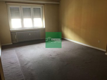 Tempocasa Strassen vous propose ce bel appartement situé dans une petite copropriété en plein coeur de Esch. Il se compose d'une cuisine indépendante avec accès balcon, deux chambre à coucher, une salle de bain, un grand living . L'appartement dispose d'une cave privative. Pour plus d'informations contactez nous Ref agence :158