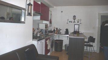 METZ Hyper centre - Proche de la FAC du SAULCY et d\'un arrêt mettis  Agréable appartement F2 de 38m² composé d\'une entrée, d\'un séjour, d\'une cuisine équipée, d\'une chambre, d\'une salle de bain (douche) et de WC.  Chauffage individuel au gaz.  Libre au 2 septembre 2020