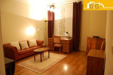 --- LOUE --- --- RENTED ---  Très bel appartement entièrement meublé situé au rez-de-chaussée d'une petite résidence soignée à Luxembourg-Rollingergrund.   Ce bien se compose de :   - 1 grande chambre à coucher de 15m2 - 1 spacieux living de 20 m2 avec feu ouvert  - 1 cuisine équipée fermée avec accès à la terrasse - 1 salle de douche - 1 cave indépendante - 1 buanderie commune avec lave-linge et sèche-linge - 1 emplacement devant la résidence - Libre 15/11/2020  À proximité directe du centre ville et du Kirchberg, transports publics à 2 pas. Accès directe aux grands axes d'autoroutes, supermarchés et restaurants.  N'attendez plus, contactez-nous par:  EMAIL: info@gng.lu TEL: 621 366 377  Découvrez toutes nos offres sur www.gng.lu