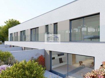 L\'agence CIMOLUX vous propose une future nouvelle construction de 2 maisons bi-familiales avec 2 duplex.<br><br>La résidence dispose:<br><br>-2 duplex avec une superficie de +/-132,46m2, un hall d\'entrée, une cuisine, un salon/salle à manger avec sortie sur la terrasse (+/-24m2), un jardin, un WC séparé, 4 chambres dont 2 avec un balcon (+/-6m2), 2 salles de bains, 2 emplacements intérieurs, une cave et une buanderie  proche de toutes le  commodites kirchberg en 7 min. <br><br>Le prix des 3 duplex est de 1.159.178€ - 1.169.678€<br>(frais d\'agence compris 3% + Tva 17 % à la charge du vendeur)<br><br>-le 4ème duplex avec une superficie de +/-131,61m2, un hall d\'entrée, une cuisine, un salon/salle à manger avec sortie sur la terrasse (+/-24m2), un jardin, un WC séparé, 3 chambres dont 2 avec un balcon (+/-6m2), 2 salles de bains, 2 emplacements intérieurs, une cave et une buanderie commune. <br><br>Le prix du 4ème duplex est de 1.150.000€.<br>(frais d\'agence compris 3% + Tva 17 % à la charge du vendeur)<br><br>Pour plus d\'informations n\'hésitez pas à nous contacter.<br><br>Pour l\'obtention de votre crédit, notre relation avec nos partenaires financiers vous permettront d\'avoir les meilleures conditions.