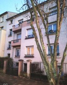 Appartement Moulin Les Metz 2 pièce(s). Pour investisseurs, appartement sous comble au 3 ème étage  d\'une surface au sol de 67 m² et 40,80 m² . <br/>Actuellement loué  480 E  HC  plus 35 euros de charges.<br/>Chauffage  individuel gaz<br/>Possibilité garage en sus.