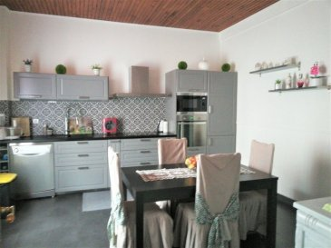 Grande maison individuelle de 250 m² habitable composée de 9 pièces principales SUR 6.5 ARES, à savoir : - RDC : Dégagement d'entrée, SALON ouvert sur SALLE à MANGER, Grande CUISINE, 1 CHAMBRE, SALLE de BAINS (douche; vasque, w-c). - 1er étage : dégagement desservant 4  CHAMBRES, SALLE de BAINS : w-c, baignoire). 2ème étage : CUISINE, SEJOUR, 2 CHAMBRES, SALLE de BAINS (w-c, baignoire) - Combles aménageables isolés au-dessus (2 fenêtres PVC) - Sous-sol : 1 laverie, 2 caves, chaufferie-buanderie accés terrasse et jardin, cuisine d'été, 1 remise, 1 débarras. L'ensemble sur 6 ares de terrain.  Toiture 1999, double vitrage/bois,  chaudière de 95 + cuve 3000 l  (raccordement au gaz possible), 3 garages, électricité 1989, relié au tout à l'égout (sauf 1 w-c relié fosse septique). Taxe foncière/an : 900 €  Contact : ROCCO PANETTA : 06.88.56.77.94 (laisser message si répondeur)