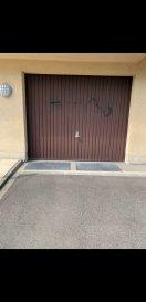 L'agence Belardimmo vous propose un garage   emplacement extérieur en location à Gasperich situé à 2 min de la cloche d'or.   Pour plus d'informations contactez-nous au 621 402 536.  Ref agence :AS032