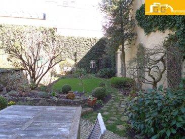 ---COMPROMIS---  Magnifique maison de maître de 1910 en plein cœur de la ville de Luxembourg avec un grand jardin privé de +- 148 m2.  Objet très rare avec beaucoup de potentiel.  Ce bien se compose de :   - 1 grand living avec cheminée à bois et salle à manger de +- 36 m2  - 1 belle véranda de 18 m2 avec accès direct au jardin de 125,80 m2  - 6 chambres à coucher (10,60 m2 – 17 m2) - 1 terrasse au 1er étage de +- 22 m2  - 1 cuisine entièrement équipée et fermée  - 1 salle de bain au 1er étage et 1 salle de douches au 2ème étage - 1 spacieux hall d'entrée avec 1 WC séparé - 1 buanderie, 1 chaufferie, 1 débarras et 1 cave au sous-sol  - 1 grand grenier de 43 m2   - Terrain: 2 - 2,5 ares - Surface habitable: 193 m2 - Surface utile: 277 m2  L'objet dispose d'une belle hauteur sous plafond de 3,40 m au rez-de-chaussée, de 3,24 m au 1er étage, de 2,72 m au 2ème étage et de 2,45 m au sous-sol.  La maison est située à Luxembourg-Ville,  sur le prestigieux boulevard de la Pétrusse, proche des transports publics et commerces.   N'attendez plus, contactez-nous par mail sur info@gng.lu ou au 621 366 377.  Découvrez toutes nos offres sur www.gng.lu