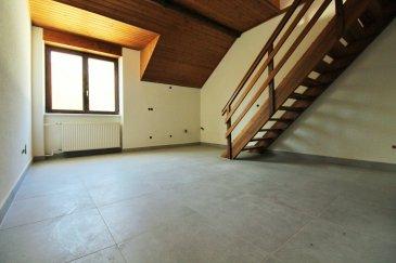 Immomod S.A. vous propose un studio dans une résidence qui sera rénové complètement à la fin de 2017. La résidence se trouve entre Septfontaines et Bour, à 25 min de Luxembour-Ville. Avis aux investisseurs : réntabilité 5 - 6 % . La surface total de 54,02 m². Il se compose d'une cuisine équipée et séparé, la salle de douche et une pièce d'habitation   une chambre à coucher. La cuisine est inclus dans le prix. Parking extérieur à 12 500 €. N'hésitez pas à nous contacter au 27 99 09 53 ou 691 92 54 85