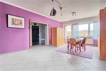 Veuillez contacter Enrico Xillo pour de plus amples informations : - T : 691 117 865 - E : enrico.xillo@remax.lu  RE/MAX, Spécialiste de la location et de la vente à Luxembourg, vous propose, dans la commune de Pétange, cet appartement / Penthouse situé au 6ème et dernier étage d'une résidence avec ascenseur, très proche du centre.  L'appartement est composé de 2 belles chambres spacieuses, respectivement 14.90 m² et 16,85 m², un salon/salle à manger de modeste mesure (24 m²) avec accès à une grande terrasse de 15 m², une cuisine équipée habitable de 8,60 m² et pour finir le tour de cet appartement, on a la salle de bain avec baignoire. Une cave est aussi à disposition des futurs propriétaires.  L'appartement aura besoin de quelques petits rafraîchissements. Pas de travaux prévus jusqu'à aujourd'hui par la copropriété, mais c'est possible que la façade soit à refaire dans le futur. Le bien est bien positionné, car on est proche de tous les commerces, du centre et de la station de trains.  À savoir sur la commune de Pétange : Pétange est une localité luxembourgeoise et le chef-lieu de la commune portant le même nom situé dans le canton d'Esch-sur-Alzette.  Pour ce qui est du nombre d'habitants, elle est la cinquième commune du pays et la plus peuplée des communes n'ayant pas le statut de ville.  Pétange a pour particularité de jouxter, à l'ouest de son territoire, le tri-point Belgique-France-Luxembourg situé à la jonction des frontières de ces trois pays. Elle fait d'ailleurs partie d'une agglomération transfrontalière : l'agglomération transfrontalière du pôle européen de développement.  Son histoire et sa croissance sont fortement liées à l'industrie sidérurgique.  Si souhaitez recevoir plus de renseignements n'hésitez pas à nous contacter. Aux amateurs qui voudraient visiter le bien, un petit questionnaire de qualification leur sera posé pour éviter des visites à vide. Cela vous permettra de bien comprendre si le bien peut correspondre à vos critères de recherche