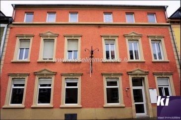 Immeuble de Rapport à Echternach  Rendement Brut de  7  Rez de chaussée -Café Restaurant Capacité 80 couverts -Cuisine avec équipement professionnelle -Zone de stockage -WC Homme  -WC Femme  1er Etage -6 Chambres  et #43;/-12m² -1 Salle de douche avec Wc -1 Studio  et #43;/- 30m², salle de douche et Wc  2nd Etage -4 Chambres  et #43;/-12m² -1 Salle de douche avec Wc -1 Studio  et #43;/- 30m², salle de douche et Wc  Sous-Sol -Réserve restaurant -Accès Chaudière.  Immeuble rénové en 2008, Toiture, Eau, Electricité et Chauffage.  Pour plus de renseignements contacter Alexandre Kissel 691621235   Ref agence :4679929