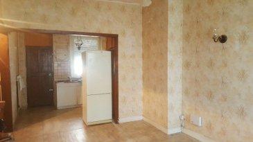 TALANGE: Maisonnette dans impasse comprenant une cuisine ouverte sur séjour, 2 chambres, 1 sdd, 2 caves, 1 garage, 1 jardin.