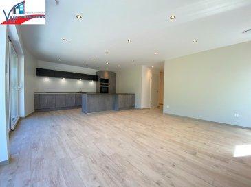 VIP Promotions s.a. vous propose en exclusivité ce magnifique appartement d'une surface utile de 80,24m², sis au rez-de-chaussée d'une résidence en voie de finition située à Helmdange, en plein cœur de la commune de Lorentzweiler.  Le bien se compose comme suit :  - Hall d'entrée - Cuisine ouverte sur le living - 3 chambres à coucher - Salle de douche - WC séparé - Débarras - Terrasse de 41,30m² - Balcon de 8,06m² - Garage fermé de 19,49m² - Emplacement extérieur de 14,29m² - Cave de 5,52m²  Divers;  - Résidence munie d'ascenseur et de buanderie commune - Disponibilité: juin 2020  Loyer: 1900 Euros Charges: 200 Euros Caution: 5700 Euros Commission d'agence: 2223 Euros (1900 + 17%TVA)  Proche de toutes commodités, des grands axes routiers et à proximité de toutes les infrastructures nécessaires.  Pour plus de renseignements ou pour une prise de rendez-vous, veuillez nous contacter au +352 691 901 219 ou bien par e-mail sur info@vippromotions.lu  Suivez-nous sur notre page Facebook pour recevoir nos informations en continu.