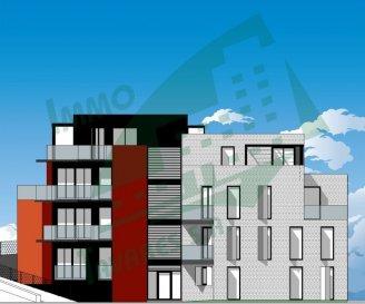 """Appartement situé au 1. étage d'une résidence de 8 appartements.  Le bien se compose d'un séjour avec une cuisine (non équipée), 1 chambre à coucher, une salle de bain, un WC, ainsi que d'une loggia de 5.00 m2.  Le bien compte également 1 emplacement/parking intérieur au sous-sol.  Le prix de ce bien est de 299 500,00 € HTVA.    Description de l'environnement :  Sa situation géographique apporte de nombreux avantages, aussi bien au niveau des déplacements professionnels que des déplacements de loisirs, à deux pas du lac de la Haute Sure et du centre commercial """"KNAUF Center"""" à Pommerloch."""
