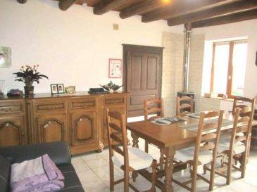 MAISON 4 - TOUL. A Choloy-Ménillot, découvrez cette maison de village vous offrant un beau séjour ( 30m² ) donnant accès à une agréable cour avec remise, cuisine, 3 chambres, salle de bains, WC separés et garage. Ideal première acquisition. Prix: 132 000 euros FAI, frais d'agence à la charge du vendeur.- barème honoraires : www.tfimmo.com /nos-honoraires.php - Contact : 06.68.08.05.71 - egerardin.tfimmo@gmail.com