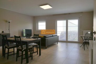 -- FR --<br/><br/>Bel appartement meublé de 76 m2 situé au deuxième étage d\'une résidence bien entretenue.<br><br>L\'appartement dispose de :<br><br>Hall d\'entrée + armoire encastrée, grand living/salle à manger avec accès au balcon,2 chambres à  coucher, salle de bains + WC, WC séparé, balcon et 1 emplacement intérieur.<br><br>A visiter.<br><br>La route de Longwy se trouve dans le quartier de Merl à quelques  minutes du centre de la Ville de Luxembourg.<br><br />Ref agence :52
