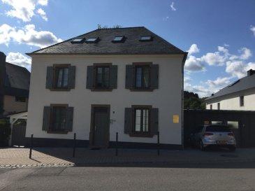 RE/MAX leader de l'immobilier au Luxembourg vous propose sur la commune de Lac de Haute Sure village de Bavigne un cabinet médical ou qui pourra être utilisé pour toute autre profession libérale (cabinet infirmier - kinésithérapeute - avocat - etc) un bien composé comme suit: une salle d'attente de 13 M² - un bureau de 12 M² - un cabinet médical de 15 M² - un WC et une salle d'eau.  Ce bien est desservi par un hall d'accueil indépendant vous assurant la quiétude et discrétion nécessaire à votre activité. Personne de contact: Frédéric LIGUTTI 00352 691 120 289 / frederic.ligutti@remax.lu Ref agence :5095959