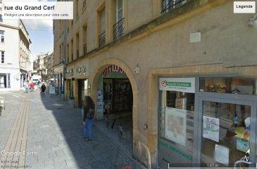 CESSION DE BAIL COMMERCIAL  Local commercial d'environ 55m2 dont sous-sol au coeur du centre-ville de Metz  Bail jusqu'en mai 2021  Très bon état général Belle visibilité.  Pour plus de renseignements, contactez nous.