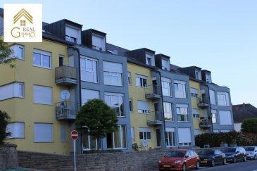 Spacieux et lumineux duplex situé au 3ième et 4ième étage d\'une résidence bien entretenue à Wormeldange.<br><br>Ce bien de +/- 124 m² habitable est composé d\'un hall d\'entrée, d\'un living/salle à manger, avec une cuisine complètement équipée séparée, 2 chambres à coucher, d\'une salle de bain et un wc séparé.<br><br>Pour compléter, un emplacement intérieur, une cave privative et une buanderie commune s\'y ajoutent.<br><br>Pour plus de renseignements ou une visite (visites également possibles le samedi sur rdv), veuillez contacter le 28.66.39.1.<br />Ref agence :72253