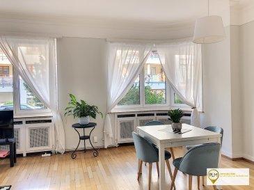PLM Immobiliere & Gestion du Patrimoine vous propose un appartement de 85m² avec 1 chambre à coucher. Au rez-de-chaussée d'une petite copropriété à Luxembourg-Gare à 5 minutes à pied de la gare de Luxembourg et de la Place de Paris.  Situé dans une rue calme et résidentielle très prisée, cet appartement spacieux ce compose comme suit :  - 1 grande chambre de 16m² - 1 bureau - 1 grand living salle à manger - 1 cuisine séparée et équipée  - 1 hall d'entrée - 1 Salle de bain avec baignoire et douche - 1 W.C. Séparé - Cour et jardin à l'arrière   Proche des commerces, des transports en commun et de toutes commodités;  Disponibilité : 15 Juillet 2020 Durée du contrat : 1 an Contrat de travail demandé  Pour davantage de renseignements et visites merci de contacter Pierre-Laurent Morimont au 691.210.784. ou par e-mail : info@plm-immo.lu