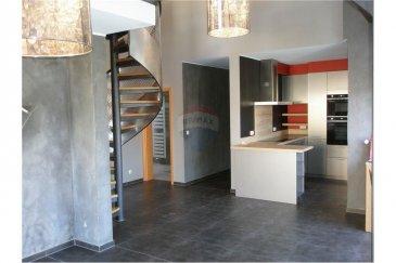 Veuillez contacter Jean-Claude Brunet pour de plus amples informations :  - T : 661 101 776 - E : jean-claude.brunet@remax.lu  RE/MAX Luxembourg, Spécialiste de l'immobilier à Bascharage, vous propose à la location un appartement au 3? étage avec ascenseur, d'une surface de 96 m², deux chambres, mezzanine, cuisine équipée, 1 salle de bains et douche à l'italienne, salle de séjour 30 m², WC, balcon, garage, chauffage gaz.  Bail d'un an renouvelable. Disponibilité le 1er juin 2020 Loyer : 1300 €/mois Charges : +/- 350 €/mois Caution : 2600 € Honoraires d'agence : 1300 € HT + TVA 17% = 1521 € à la charge du locataire