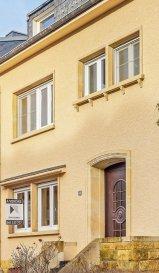 ***SOUS COMPROMIS*** ***SOUS COMPROMIS*** ***SOUS COMPROMIS***  Située à Luxembourg proche du Kirchberg et de l'aéroport, ainsi que des commerces et de leurs commodités, cette maison, construite en 1950, dispose d'une surface habitable de ± 159 m² pour une surface totale de ± 222 m².  Elle se compose comme suit:  Au rez-de-chaussée, Le hall d'entrée ± 7 m² incluant un espace de rangement, un séjour ± 38 m² donnant sur une cuisine séparée et équipée ± 20 m² qui dessert sur une terrasse ± 14 m² avec un beau jardin et un w.c séparé.  Au première étage, un couloir ± 5 m² s'ouvre sur les deux chambres de ± 15 et 17 m², un bureau ± 5 m², une salle de bain ± 8 m² avec un dressing ± 2 m² ainsi qu'un w.c séparé ± 2 m².  Au deuxième étage, Un couloir ± 6 m² donnant sur deux chambres bien agencés ± 14 m² et 16 m² .  Au sous-sol, une entrée de ± 6 m² qui dessert un garage ± 24 m², une buanderie ± 19 m² ainsi qu'une chaufferie ± 15 m² complètent l'offre.  Généralités:  Maison située dans un secteur recherché ; Double vitrage datant de 2014; Chaudière Buderus datant de 2015; Beau jardin bien agencé ; A proximité des transports ( Ligne 7-9-25 et 29) ; Proche de toutes commodités et de l'aéroport ;  Agent responsable: Geoffrey DEPRE Email : geoffrey@vanmaurits.lu Mobile: +352 661.127.777