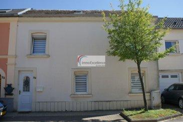 SOUS COMPROMIS !! IMMO EXCELLENCE vous propose cette maison mitoyenne d\'une surface habitable d\'environ 103 m2 ainsi que d\'une surface utile de 167 m2 sur un terrain de 4.90 ares. La maison se compose comme suit : Au rez-de-chaussée vous trouvez : Un hall d\'entrée ( 7.3 m2 ), un double séjour ( 27.14 m2 ), un tour d\'escalier ( 2.35 m2 ), ainsi qu\'une cuisine équipée ( 8.63 m2 ). Au 1er étage vous trouvez :  Un hall ( 4.49 m2 ), un W.C. séparé, une chambre-à-coucher ( 13.4 m2 ), une deuxième chambre-à-coucher ( 18.13 m2 ), une troisième chambre-à-coucher ( 17.17 m2 ) ainsi qu\'une salle-de-douche ( 4.18 m2 ). <br><br>La maison dispose également d\'une cave ( 17.30 m2 ), d\'une buanderie ( 12.49 m2 ),  d\'une terrasse non aménagée ( 34.44 m2), ainsi que d\'un grenier non aménagé. Les dalles sont partiellement en bois. La toiture est non isolée.<br><br>Quelques travaux de rénovations à prévoir.<br><br>Bettange-sur-Mess est une section de la commune luxembourgeoise de Dippach située dans le canton de Capellen. <br><br>A proximité de toutes commodités et à seulement 15 minutes du centre-ville de Luxembourg.