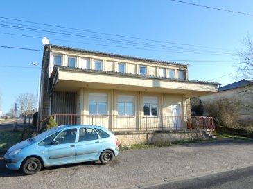 !! SOUS COMPROMIS !!  POUR PARTICULIERS OU INVESTISSEURS  Nous vendons à NEUNKIRCHEN LES BOUZONVILLE (Moselle), à proximité immédiate de la frontière allemande, à 23 kms seulement de la fontière luxembourgeoise de SCHENGEN ;  Un petit immeuble de deux lots établi sur un terrain de 5a94.  Deux entrées séparées permettent d\'accéder à :  Un appartement T3 de 72,59 m2 loué pour la somme de 500 € net propriétaires.  Un appartement T3 de 63,06 m2 loué pour la somme de 460 € net propriétaires.  Tous les compteurs sont séparés.  Ces deux lots sont loués. Rentrée locative annuelle nette de 11520 €.  CONTACT :  Gérard STOULIG : 06 03 40 33 55 ou l\'agence au : 03 87 36 12 24.  NB : Les frais d\'agence sont inclus dans le prix annoncé.
