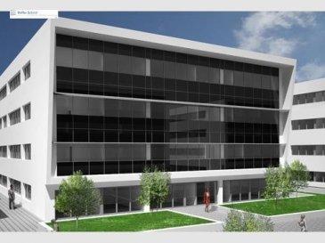 Bâtiment de bureaux économique, situé dans un environnement  très agréable et facile d'accès.<br>Les surfaces sont modulable selon vos besoins, de 200 à 834m2 par étage.<br>Loyer: 18€/m2 hTVA, charges 2,5?/m2, 100 parkings sur le site.<br>L'immeuble est situé dans la zone d'activité de Contern,  situé à 5 min de l'axe autoroutier Bruxelles/Trèves/Metz.<br>Proche du Centre-Ville et de l'aéroport.<br><br><br><br />Ref agence :725648