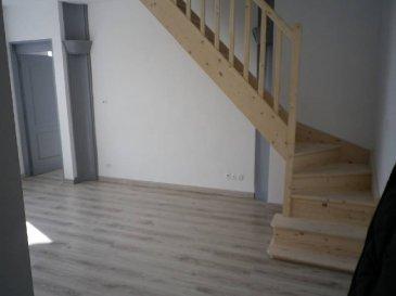 REF 5957  Mganifique appartement de 90 m² secteur Berck Ville au 1er étage:  Séjour, cuisine non équipée, cellier, wc et salle de bains.  A l\'étage: 2 chambres (dont 1 très grande)