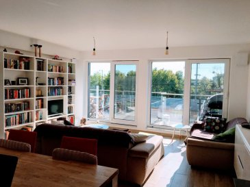 BELARDIMMO vous propose à la vente en exclusivité un magnifique triplex sur la commune de Alzingen.<br><br>Le bien se compose ainsi : <br><br>- Au 1er étage : <br><br>Un spacieux salon / séjour, une cuisine équipée ouverte <br> sur la salle-à-manger avec une grande terrasse et un WC séparé.<br><br>- Au 2ème étage :<br><br>Deux chambres à coucher, une salle de douche à l\'italienne avec doubles vasques et un WC, un bureau et un débarras.<br><br>- Au 3ème étage : <br><br>Une suite parentale avec une grande terrasse, une salle de bains avec baignoire, doubles vasques et un WC, une pièce débarras.<br><br>Pour votre confort, le bien possède également un garage 1 place avec possibilité de garer un autre véhicule devant ainsi qu\'une cave.<br><br>Conçu avec des matériaux de haut standings . <br><br>La résidence possède un ascenseur ainsi qu\'une buanderie commune.<br><br>Le bien immobilier  se trouve à proximité du quartier de la Cloche d\'or, des accès autoroutiers, des transports en communs, de tous commerces, écoles et autres commodités.<br><br>Pour tout renseignements ou une éventuelle visite, contactez M. Palmucci au 691 105 887.