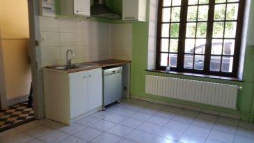 Appartement de Type F3 comprenant une cuisine, un séjour, 2 chambres, une salle de bain, un toilette séparé. Chauffage au gaz.  Un jardin commun