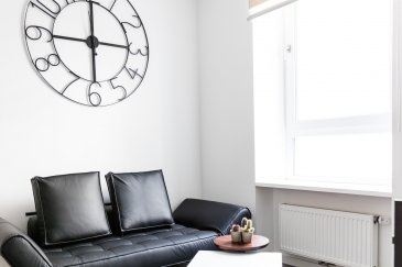 * English description below *  Je vous propose ce joli appartement à la location avec possibilité de courte durée (minimum 6 mois).   Situé en plein centre-gare, au 1er étage, il est rénové avec goût, entièrement équipé et meublé.  Il comprends une cuisine ouverte sur le séjour, une chambre à coucher, une salle de douche avec WC.  •	Loyer : 1.800 Euros •	Charges : 200 Euros  (eau, chauffage, ordures ménagères, WiFi et bouquet TV)  •	Électricité et assurance habitation sont à souscrire  •	Caution : 3.600 Euros  •	Frais d'agence : 1 loyer + TVA   Je vous invite à me contacter sans attendre ! Tél. +352 621 408 530  contact@stephaniegilmer.com    ----  I offer you this nice apartment to rent with the possibility for short term (minimum 6 months).  Located in the center-station, on the 1st floor, it is tastefully renovated, fully equipped and furnished. It includes a kitchen open to the living room, a bedroom, a shower room with WC. •	Monthly rent: 1,800 Euros •	Charges: 200 Euros (water, heating, garbage, WiFi and TV package) •	Electricity and home insurance are to be subscribed •	Deposit: 3.600 Euros •	Agency fees: 1 monthly rent + VAT  I invite you to contact me!  Phone : +352 621 408 530  contact@stephaniegilmer.com
