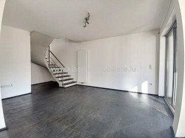 Alexandre Kissel vous propose à la Location;<br><br>Dans une petite résidence appartement duplex rue JF Boch à Luxembourg Ville 5 Minutes à pied de la place de l\'Etoile et du Tram<br><br>L\'appartement se compose comme suit:<br>- Cuisine équipée<br>- Salle à manger<br>- Salon accès terrasse<br>- 2 chambres dont une avec dressing<br>- Accès balcon<br>- 1 salles de bain <br>- 1 WC individuel<br>- Buanderie<br>- 1 places de parking intérieur <br><br>L\'agence KISSEL Immobilière vous propose des objets sélectionnés, pour répondre à la demande de notre clientèle.<br>Estimation gratuite de votre bien et cela sans engagement.