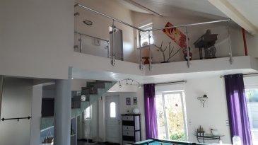 Très belle maison située dans une impasse d'une surface de 310 m2 comprenant au RDC une belle cuisine équipée ouverte sur un très grand séjour avec cheminée, une suite parentale, avec salle de bains comprenant douche et baignoire + un grand dressing. A l'étage 3 chambres et une salle d'eau, un sous-sol, une pompe à chaleur chauffage au sol, une dépendance reliée à la maison avec piscine chauffée enterrée, le tout sur un beau terrain de 16 ares environs. Photos supplémentaires sur demande