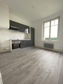 3 pièces-55,80 m2 .  Bel appartement lumieux complétement renové, comprenant 3 pièces dont deux chambres, un séjour, une cuisine et une salle de bain.<br> <br> Chauffage individuel électrique.<br><br>